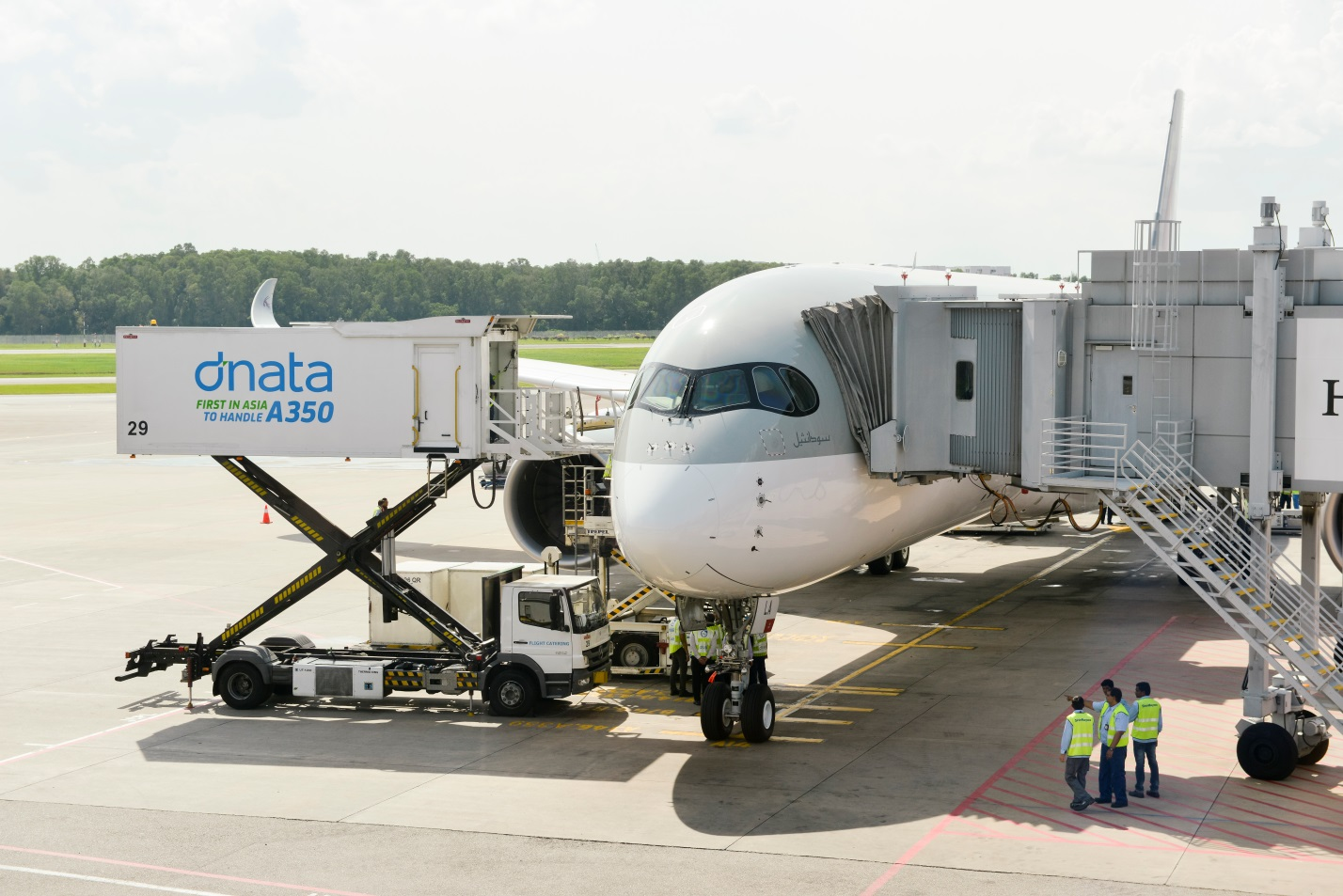 dnata welcomes the first A350-XWB at Changi Airport