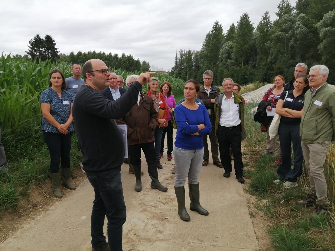 Minister Demir investeert 5,75 miljoen euro om in landelijke gebieden op zoek te gaan naar wateroplossingen