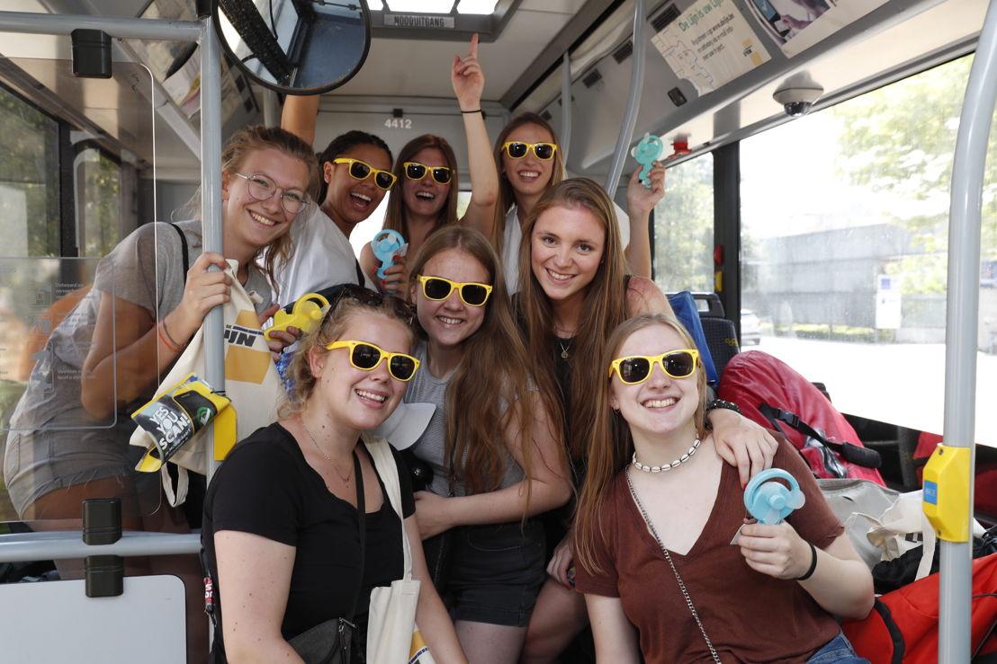 De gelukkigen op de VIP-bus