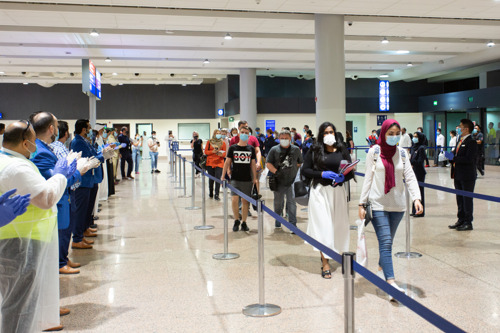flydubai welcomes its first tourists arriving in Dubai