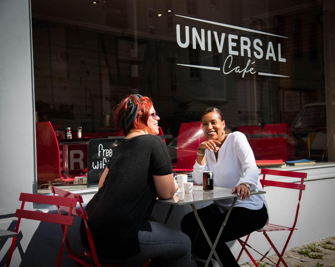 Universal Café 4