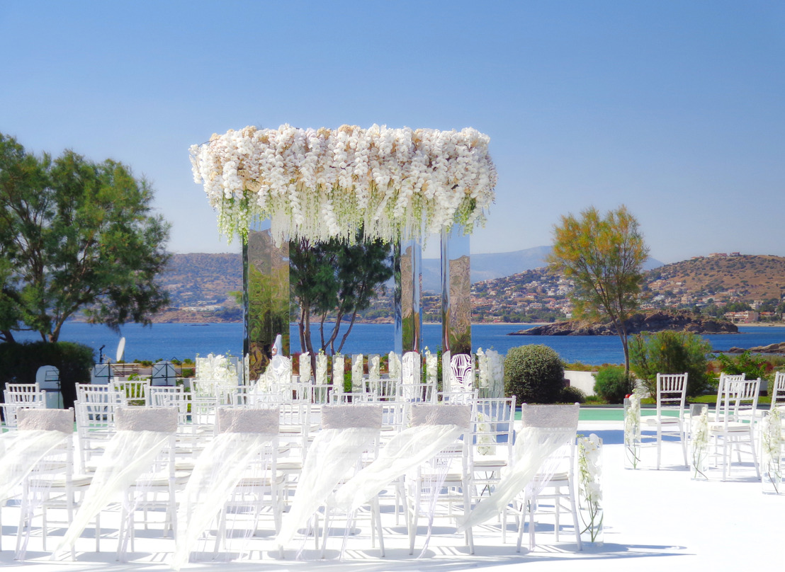Grand Resort Lagonissi celebrated as ideal destination for luxury weddings in Europe