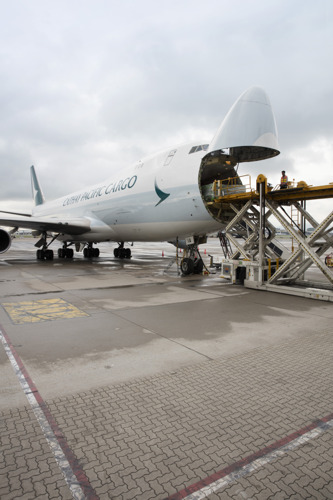 Cathay Pacific Cargo signs master rental agreement with Dokasch Temperature Solutions