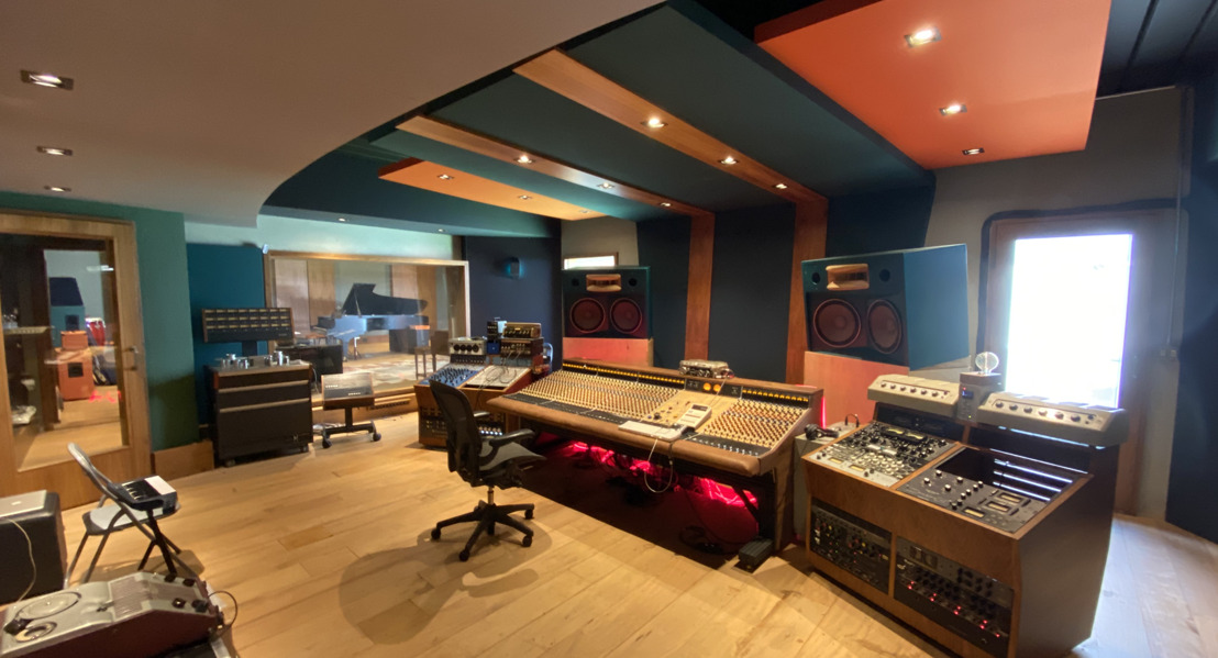 WSDG Brings Timeless Sound and Feel to New Doors – Vintage Keys Recording Studio
