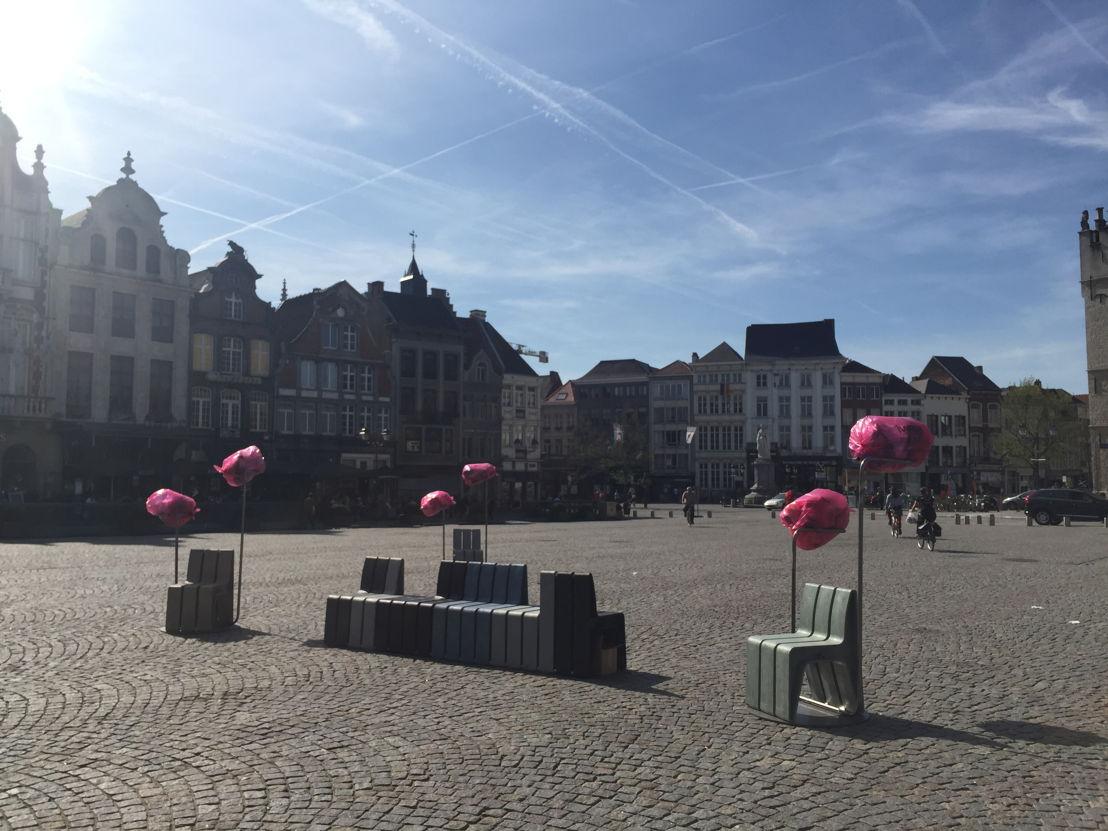 H-bank in primeur voorgesteld op de Grote Markt in Mechelen