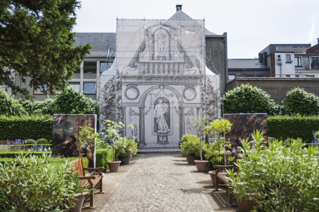 Zicht op tuinpaviljoen in stelling_foto Ans Brys.jpg