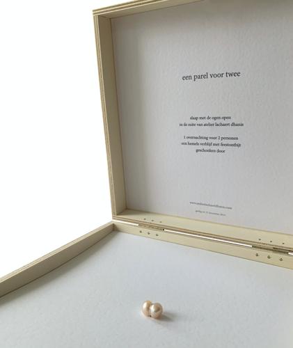 Unieke cadeaubox van Atelier Lachaert Dhanis geeft naast een luxe-overnachting ook een zoetwaterparel cadeau