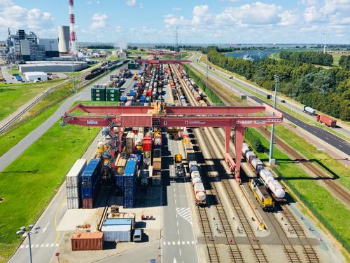 Der Hafen Antwerpen will die Versorgung von Chemieunternehmen an Rhein und Ruhr nachhaltig sichern