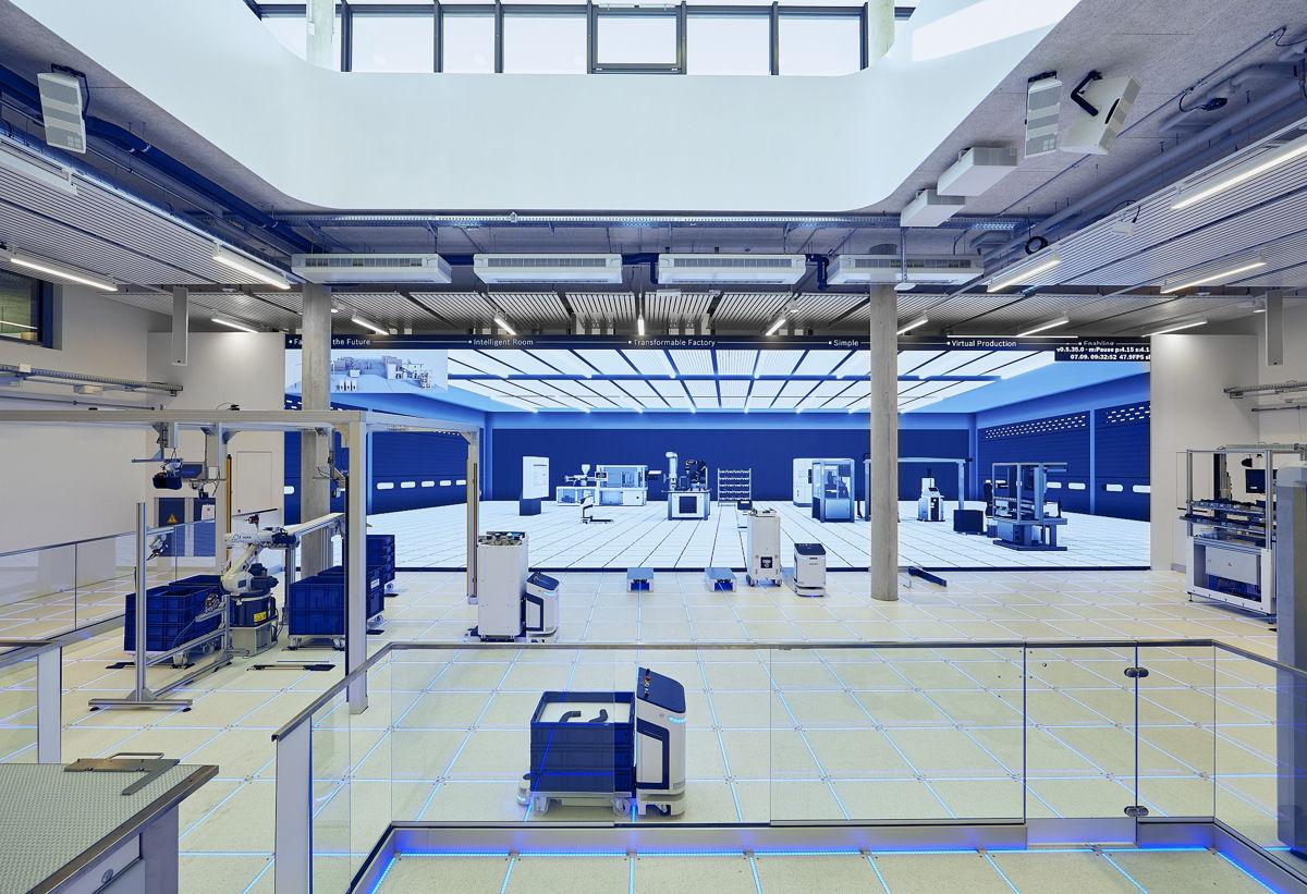 L'usine modèle est un maillon essentiel du Customer and Innovation Center : Bosch Rexroth démontre le potentiel d'une production modulaire hautement numérisée sur une surface d'environ 500 mètres carrés (source de l'illustration : Bosch Rexroth).