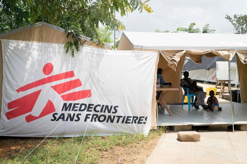 남수단에 설치된 국경없는의사회 구호 텐트. 콜레라 환자들을 위한 환자 등록 텐트로 사용됐다. [Adriane Ohanesian/MSF]