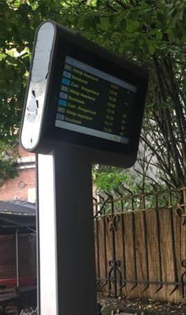 Realtime info  zoals die te vinden is aan bijna 400  belangrijke bus- en tramhaltes.