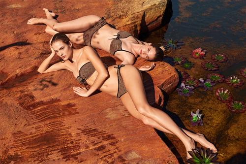 Marie Jo Swimwear: Monica verkündet diskreten Luxus und mutige Eleganz