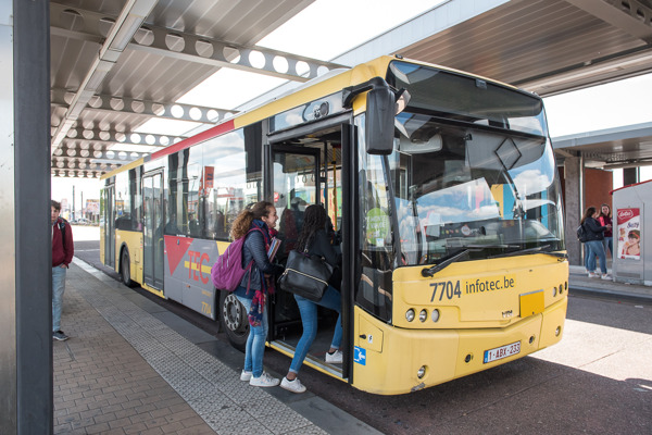 Preview: Ligne 173 > navettes de bus mises en place entre LANDELIES Place et FONTAINE Métro