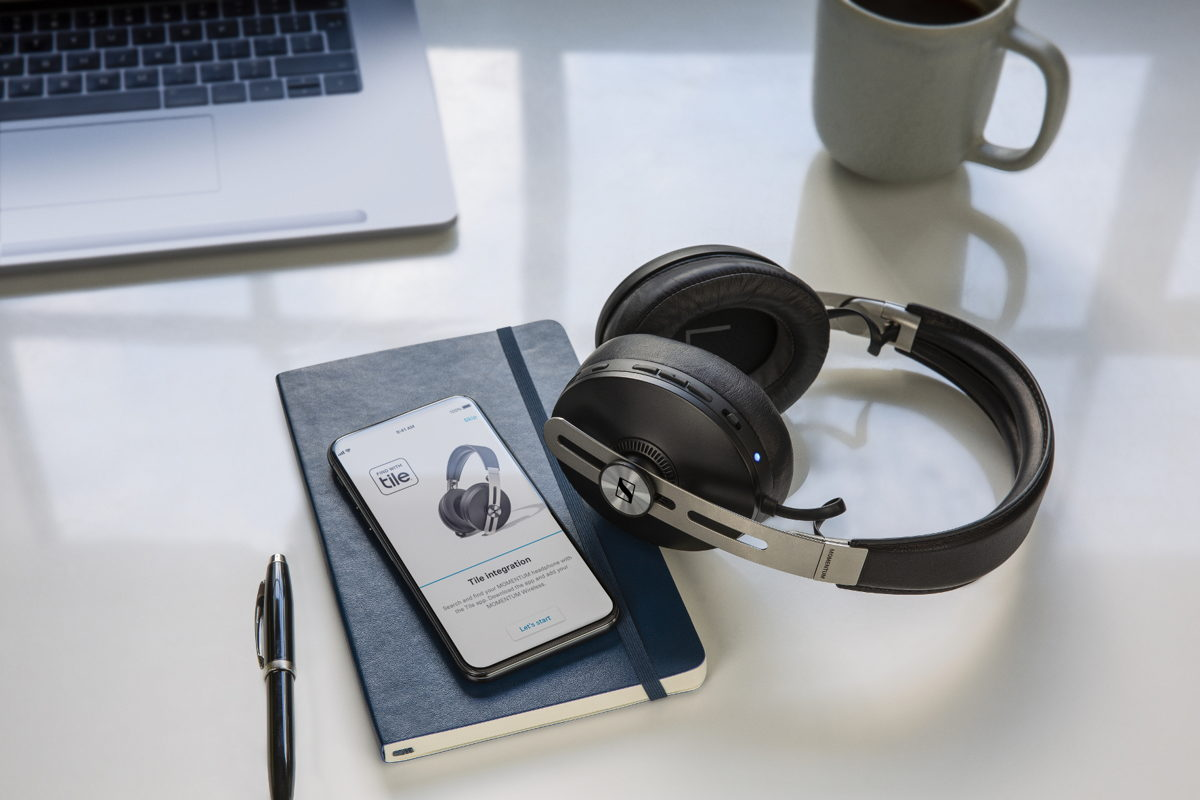 Effortlessly connected Via a dedicated button, the MOMENTUM Wireless features one-touch access to voice assistants. Thanks to smart Tile technology, the headphones are almost impossible to misplace: The integrated Bluetooth tracker ensures you can find your headphones via the Tile app.