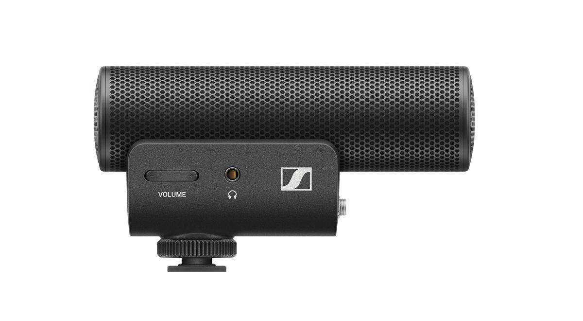 Een stap vooruit voor jouw audio: de MKE 400 is een compacte richtmicrofoon die het camerageluid verbetert voor vloggers, videografen en mobiele journalisten