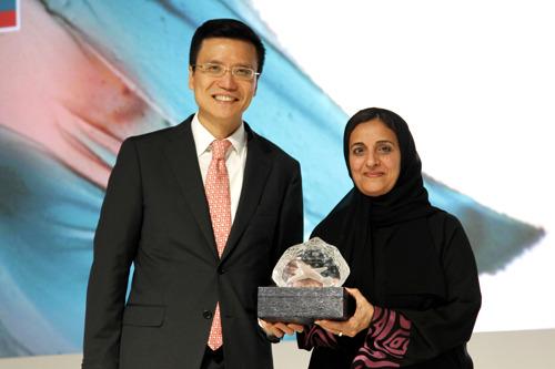 Cathay Pacific celebrates inauguration of Abu Dhabi service