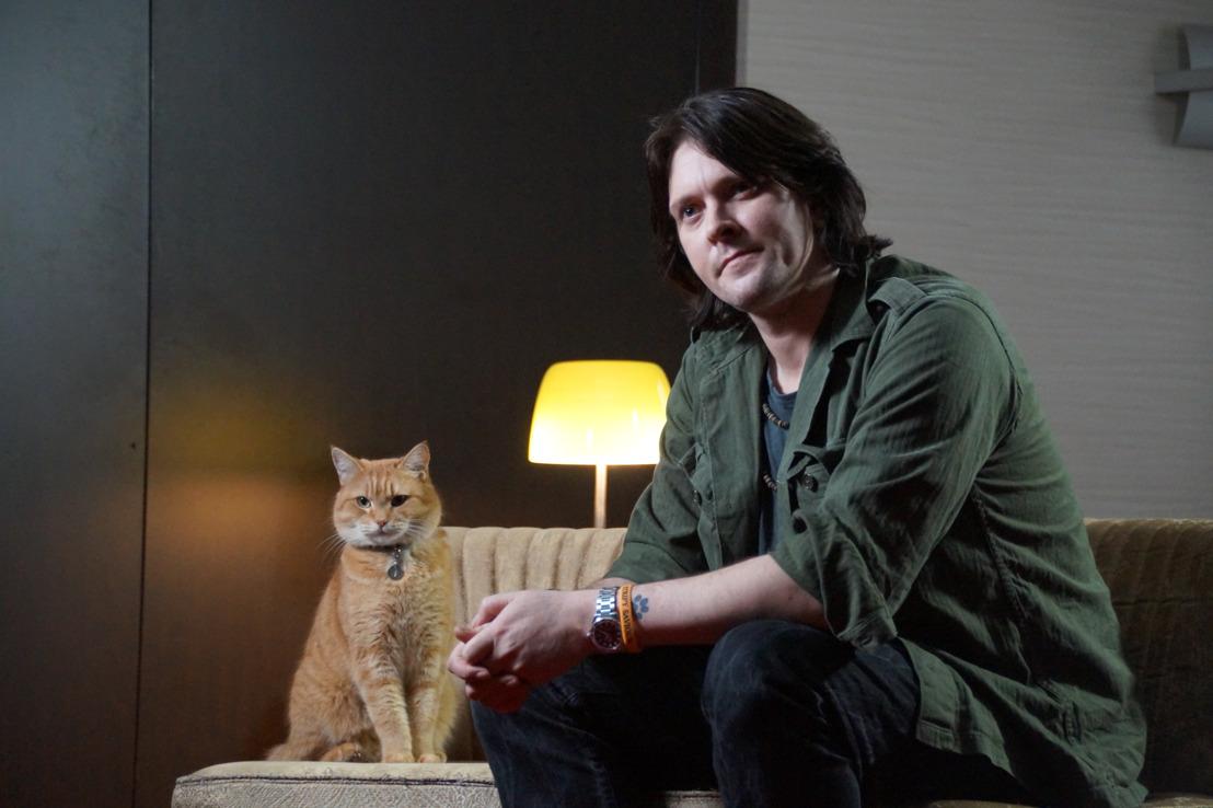 Tope-là poilu du chat des rues nommé Bob à GAIA en faveur de la stérilisation des chats