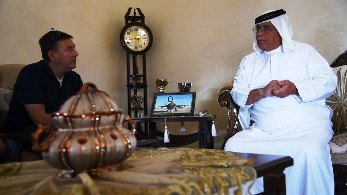 IS in het vizier - Afl 2 : Rudi Vranckx praat met vader verbrande Jordaanse piloot - (c) VRT