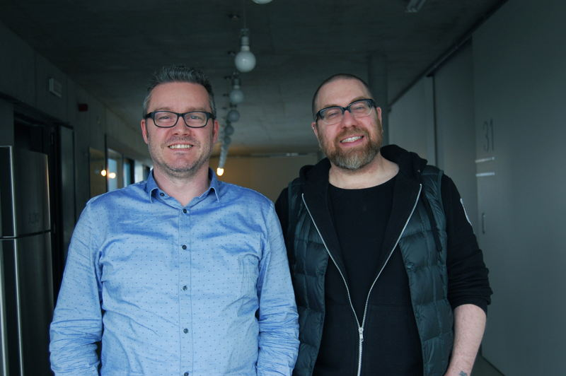 Jan Moons and Paul Davies