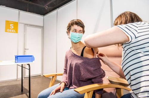 """Alle 400 vaccins gezet in Leuvens vaccincentrum: """"Iedereen is komen opdagen"""""""