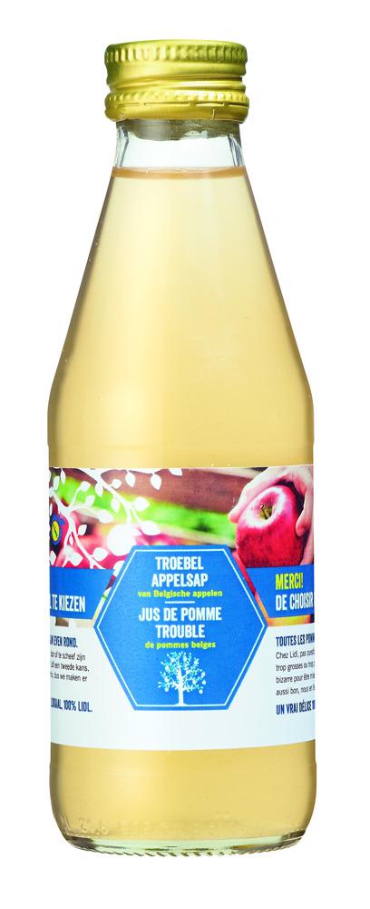 """Preview: Ter gelegenheid van """"Weekend van de Klant"""" schenkt Lidl elke klant een flesje 100% Belgische appelsap, gemaakt van """"lelijke appelen""""."""