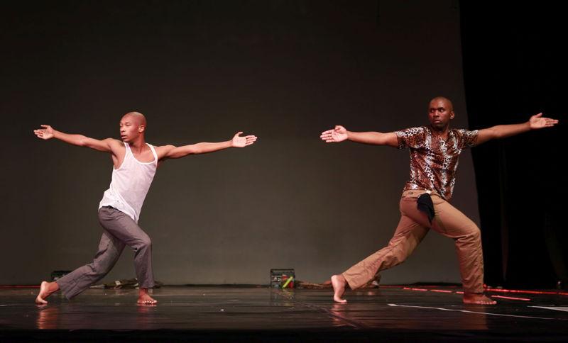 Musa Hlatshwayo and Sbonelo 'China' Mchunu in Doda. Image by Nardus Engelbrecht