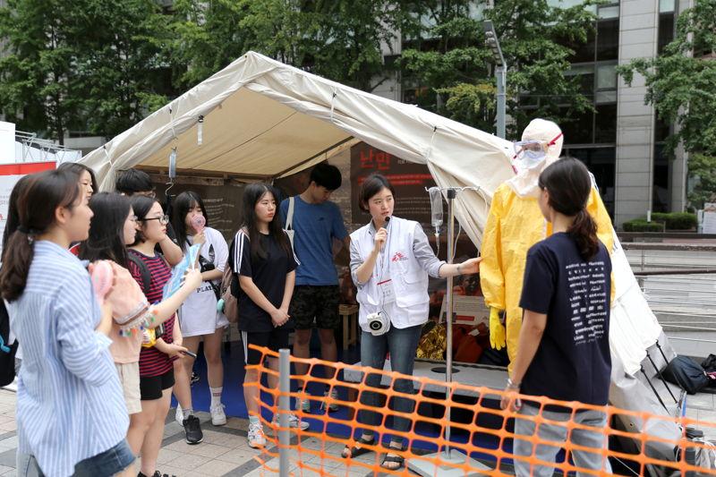 지난 7-8월 서울 청계광장서 열린 전시 모습.