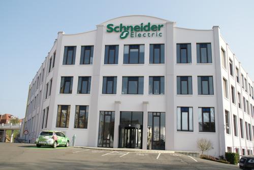 Fabriek Schneider Electric in Ukkel visitekaartje digitale transformatie