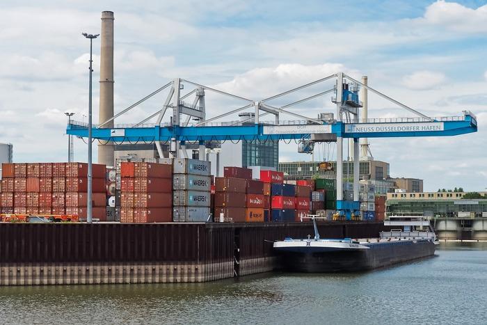 Bedrijven zoeken steeds vaker magazijnen langs waterwegen