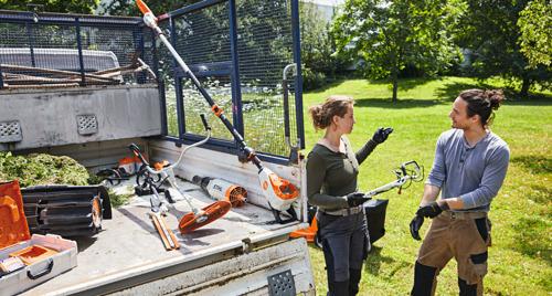 La série STIHL 135 pour l'entretien paysager professionnel dans les environnements sensibles au bruit