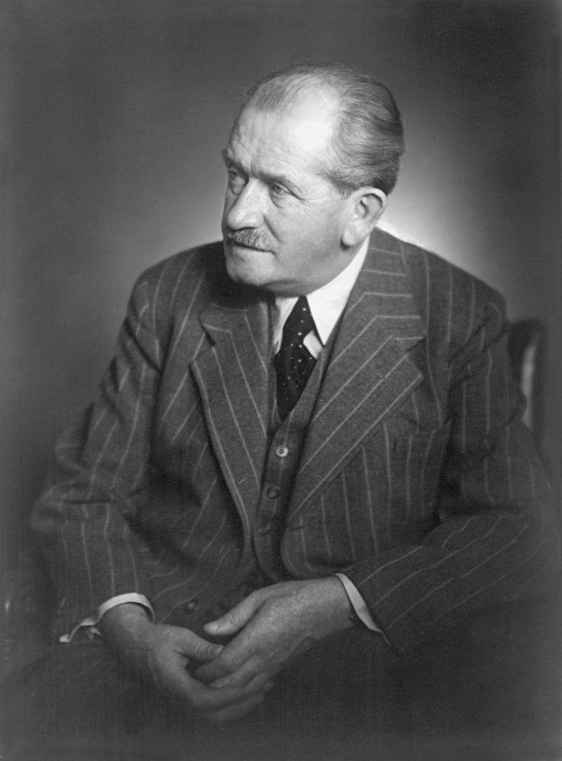 1951. El 30 de enero de 1951 muere el Prof. Dr. h.c. Ferdinand Porsche, ingeniero automotriz y fundador de la empresa que lleva su nombre