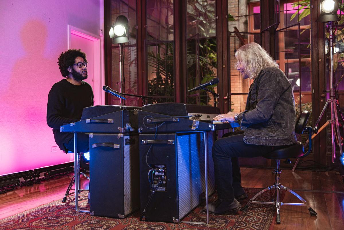 Emicida em dueto com Marcos Valle