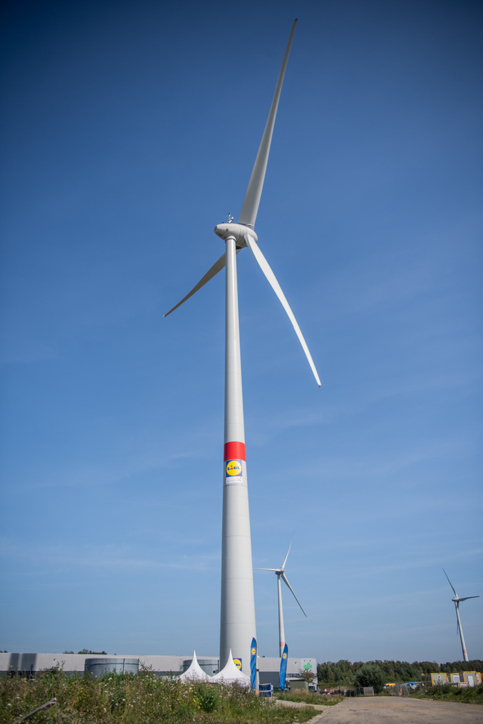 Lidl met en route sa première éolienne