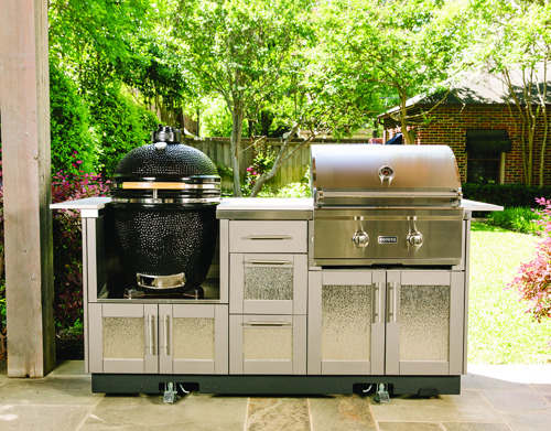 Ferguson gives away grills in O Say Can You Sear contest