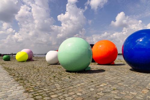 'Fashion Balls' from MoMu and the Antwerp Fashion Department kickstart 'Fashion 2.021'.