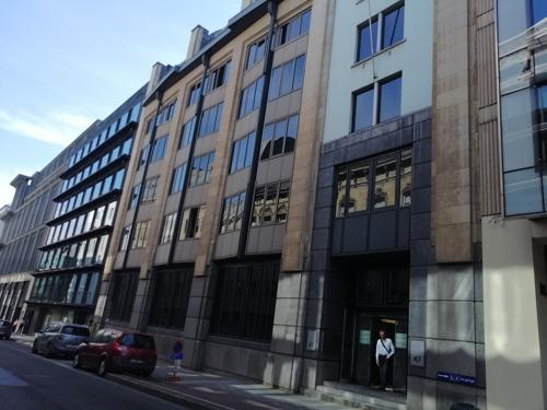 VUB start academiejaar met lessen in leegstaand kantoorgebouw