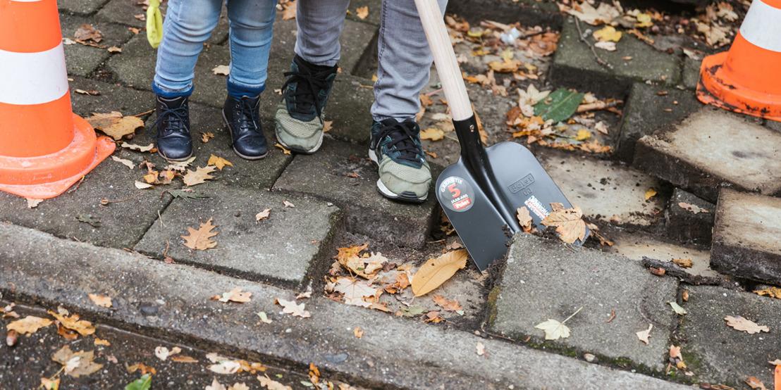 Minister Demir breekt eerste steen van de Koolmijnlaan in Heusden-Zolder op: 13.000m² asfalt maakt plaats voor groen, wandelaars en fietsers