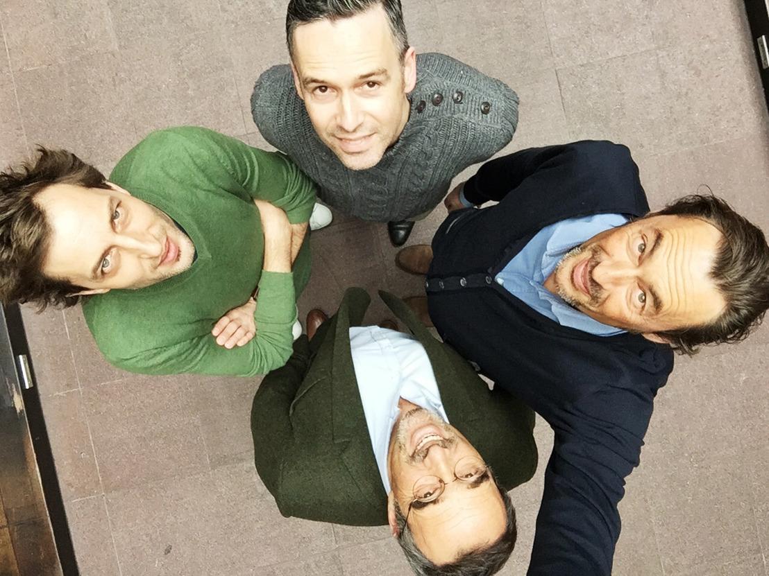 Joeri Van Den Broeck en Dieter De Ridder de nieuwe CD's van Air.