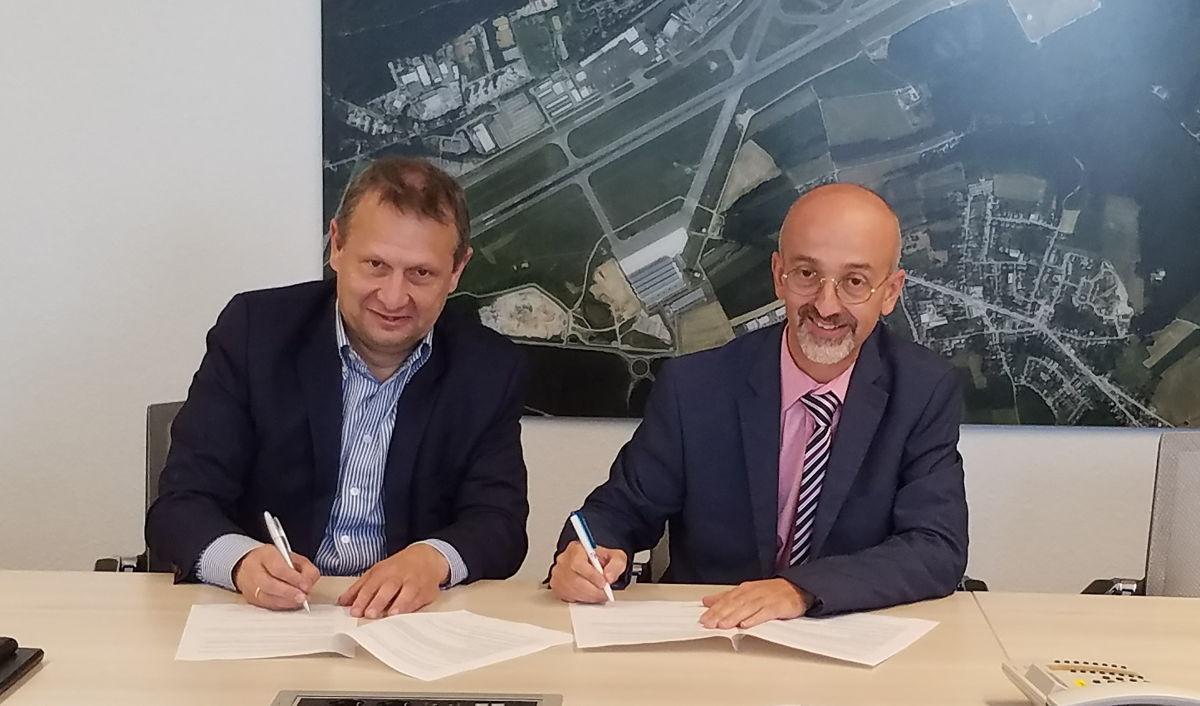 Le CEO de Belgocontrol Johan Decuyper et Claudio Clori, directeur d'ANA Lux