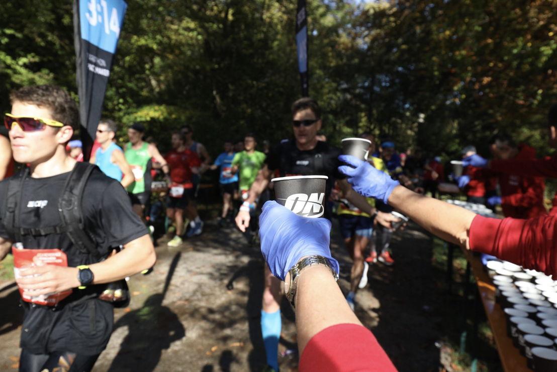 Viele Hundert Helfer versorgten die Teilnehmer vor, während und nach dem Lauf