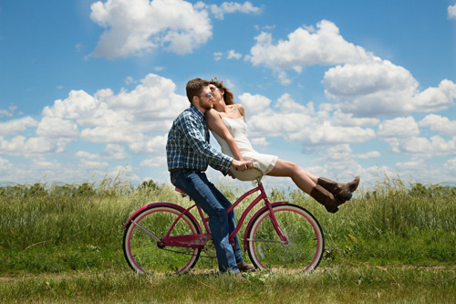 Organiza una cita romántica con juegos y sin salir de casa