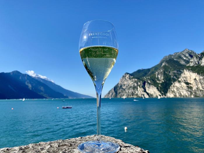 Trentodoc sul Lago di Garda