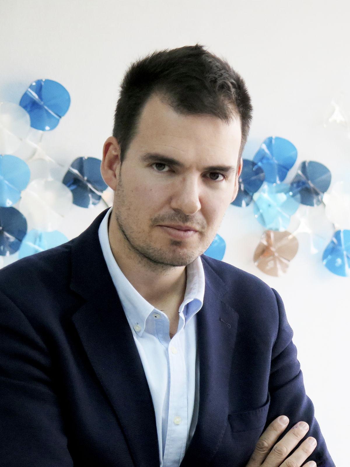 Roberto Molinos, Professor at Instituto De Empresa in Spain