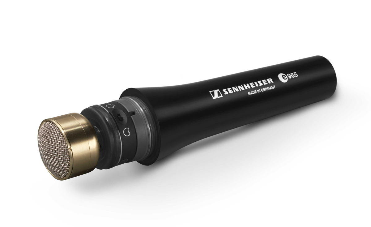 Thanks to a dual diaphragm, the e 965 can be switched between cardioid and super-cardioid patterns