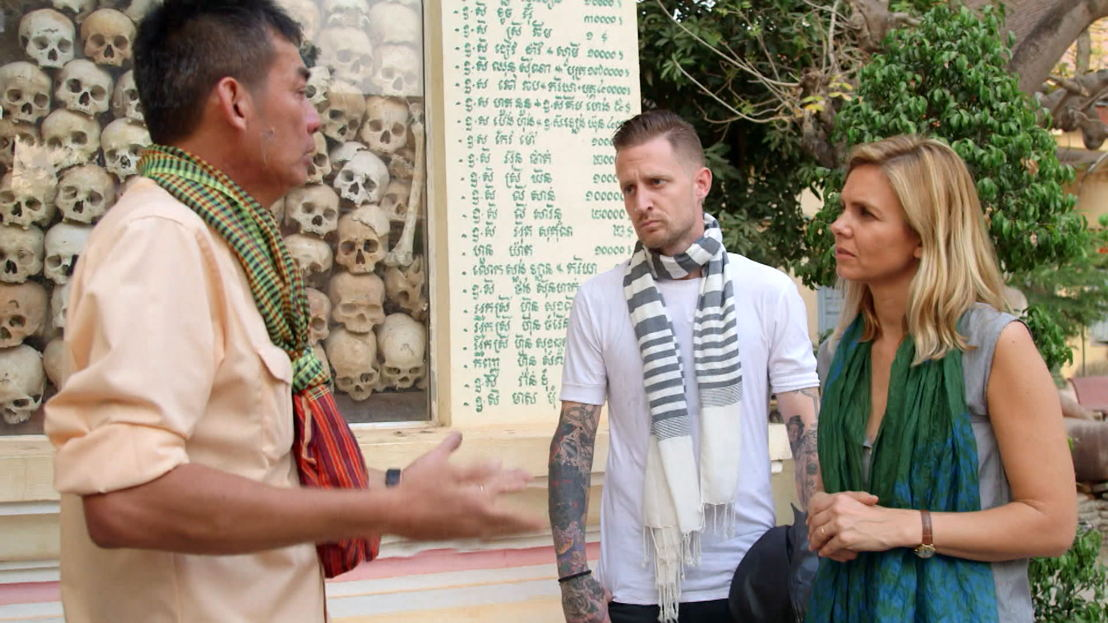 Marina van Zeller en Michael Voltaggio in Cambodja - (c) The Travel Channel