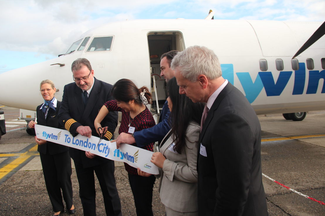 Commander Wim Verbist (Antwerp Airport), Harm Prins (CEO VLM Airlines), Qiang Cui (SHS Aviation) and Carl Runge (VLM Airlines)