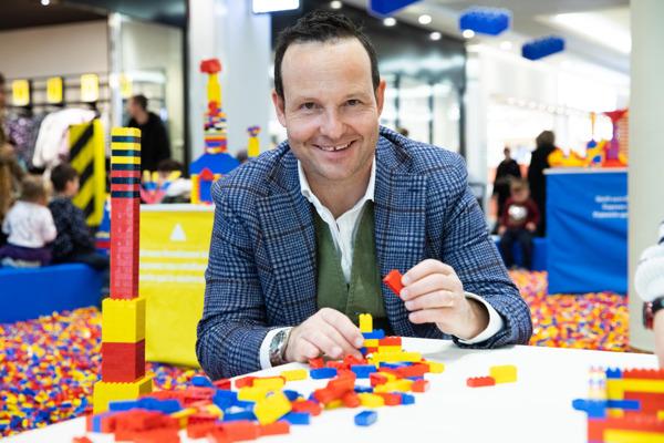 Preview: LEGO® Playworld: Grosse Schweizer Tour mit Hyundai und dem All-New KONA electric