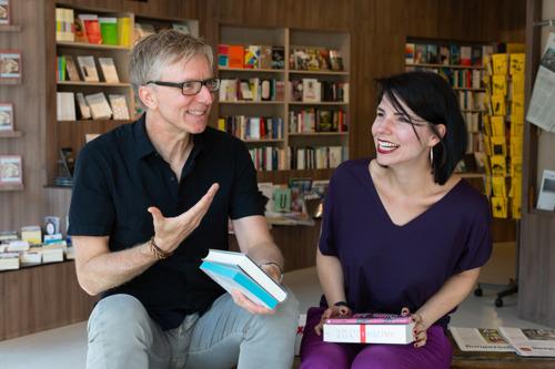 Einladung zum Literatur Battle: Das literarische Duo Karla Paul und Günter Keil live bei Hugendubel am Stachus