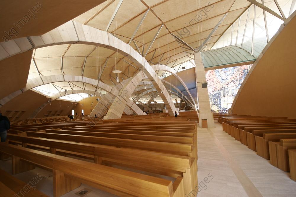 Church of San Pio da Pietrelcina, Holy Father Pio, designed by Renzo Piano, in San Giovanni Rotondo, Puglia, Italy. Interior view.<br/>AKG4506769