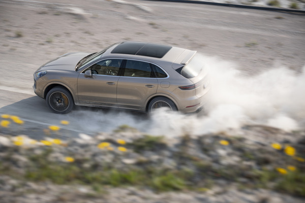 Preview: The Cayenne Turbo S E-Hybrid sets an unusual lap record